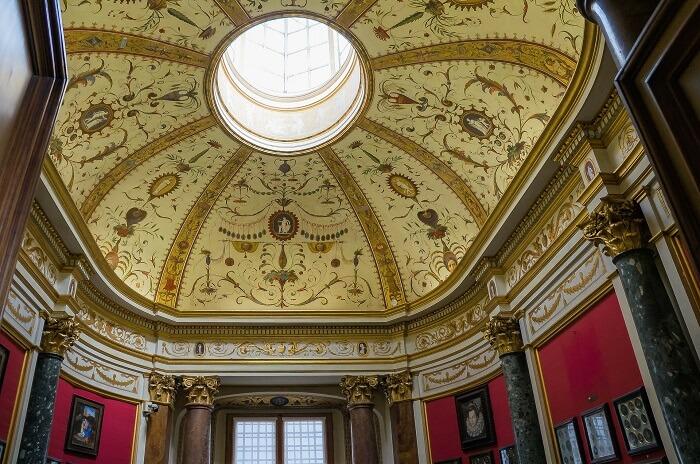 Inside the Uffizi Gallery