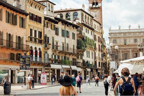 Borgo Street, shopping street in Pisa, Italy